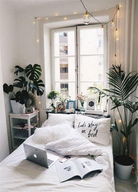 prop room studio idea pinterest blankets room ideas 15 minimalist room decor ideas that ll motivate you to