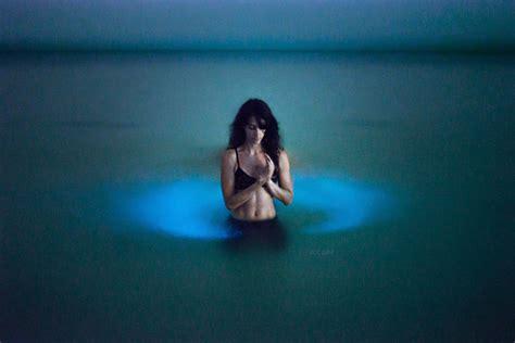 Blue Moon 7 03 Ct light painter channels the power of bioluminescence mnn