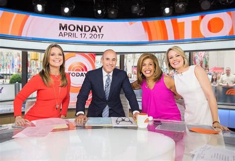 today show watch hoda kotb s emotional return to today today s news