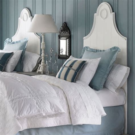 pillows on a bed how to arrange pillows on a twin bed 5 ways for stylish