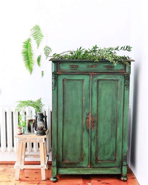 chalk paint adalah mewarnai furniture lama dengan warna cat yang baru