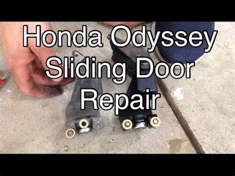 Honda Odyssey Door Repair by 2005 2010 Honda Odyssey Sliding Door Roller Most Common