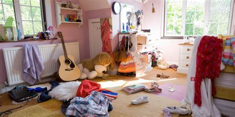 messy bedroom smelly teenage bedrooms cause sleep problems