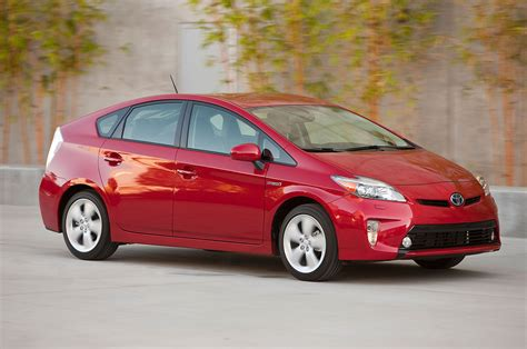 2014 toyota prius in 2014 toyota prius reviews and rating motor trend