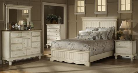 french country bedroom furniture hillsdale furniture antiques white panels beds master