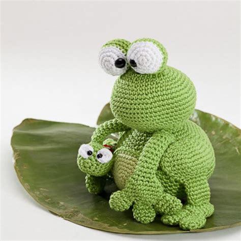amigurumi pattern frog kobe and kenji frog amigurumi pattern amigurumipatterns net