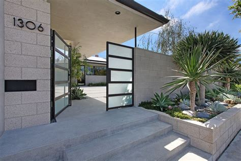 Modern Concrete Homes Home Garden Landscaping Retaining Wall Entry Midcentury With Concrete