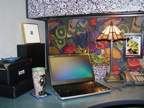 how to decorate your cubicle classy cubicle decorating ideas office cubicle idea