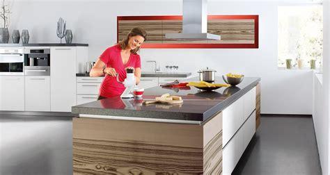 küche einrichten ohne einbauküche wohnzimmer wand pastell