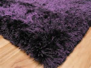 hochflor teppich lila plush purple shaggy rug plush purple shaggy rug 163 117