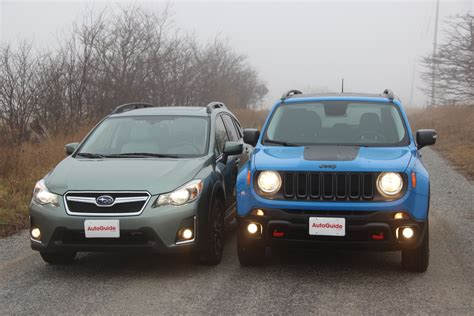 subaru crosstrek 2016 road 2016 jeep renegade vs 2016 subaru crosstrek autoguide