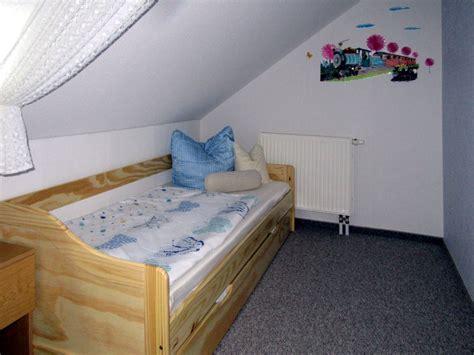 schlafzimmer klein ferienwohnung hegner