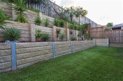 backyard retaining wall garden and backyard retaining walls