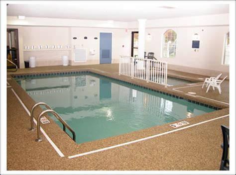 does the comfort inn have a pool comfort suites conference meeting rooms lodging