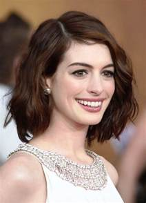 hairstyles for of the oval shaped short hairstyles for oval faces with wavy hair