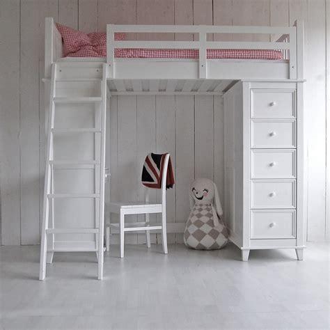 günstige schreibtische in weiß pastell rosa wand