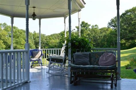 lakehouse bed and breakfast lake house bed and breakfast cottage bed and breakfast 46 hunt rd in rock stream