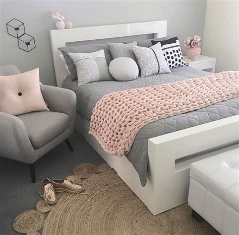 pink and gray bedrooms best 20 pink grey bedrooms ideas on pinterest grey