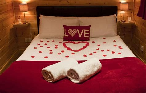 how to be romantic in bed valentine s themed room decoration with your own design