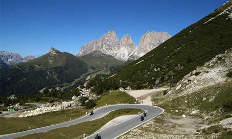Motorrad Online Hotels by Andare In Moto Nelle Dolomiti Vacanze In Moto Alta Badia