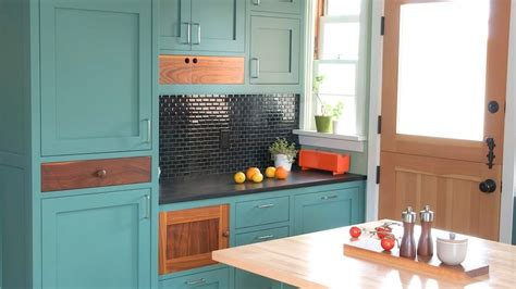 how to refresh kitchen cabinets painted cabinets a cheap way to refresh your kitchen