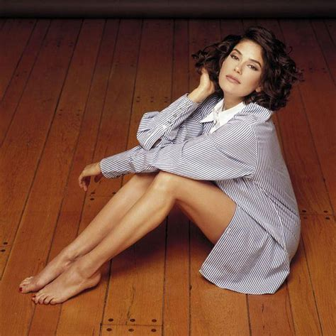barefoot writer wikipedia teri hatcher biography net worth quotes wiki assets