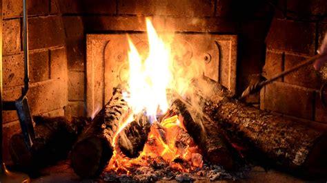 immagini camino come fare il fuoco nel camino casa hobby e fai da te