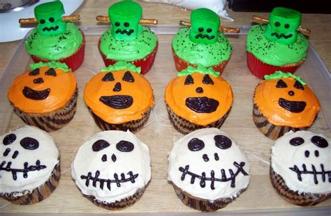 halloween themed cupcakes the tiny tyrant s kitchen halloween cupcakes