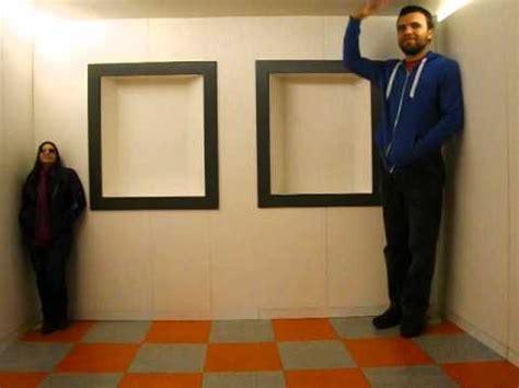 ames room illusion ames room illusion edinburgh s obscura