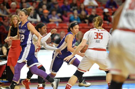 College Basketball Letterwinner Abilene Christian Athletics Terrific Effort By Wildcats Falls Just In Loss At