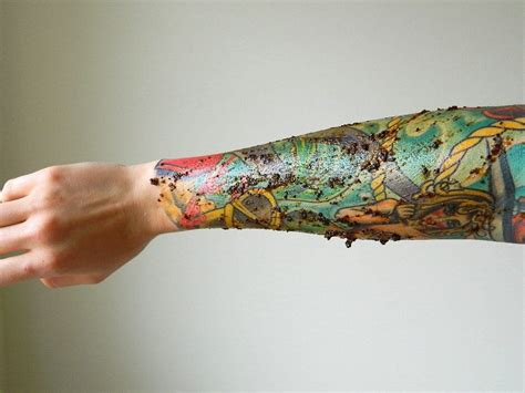 7 ways you re ruining your new tattoo tattoodo