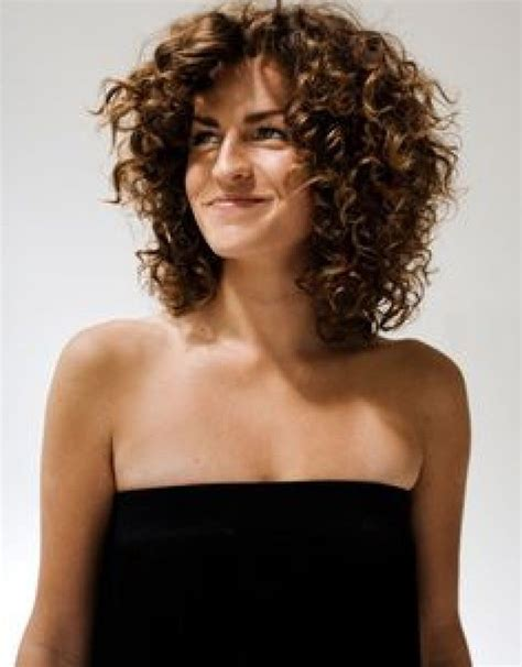defined layeres for curly hair layered haircuts for naturally curly hair top 10 medium