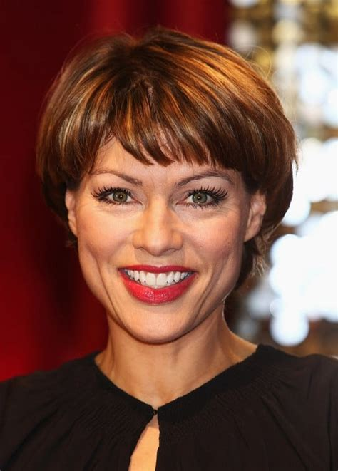 top  celebrities short hairstyles  older woman