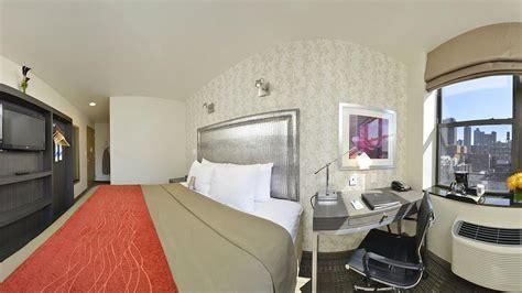 comfort inn midtown west les logements de new york accessibles aux personnes en