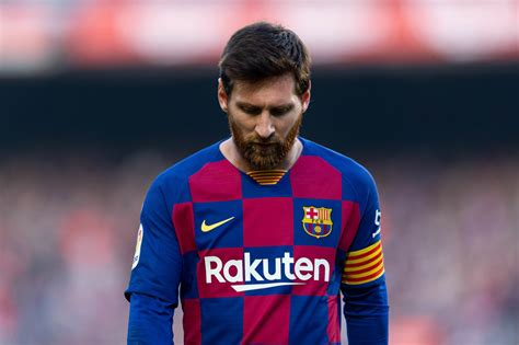 barcelona ace messi     staying