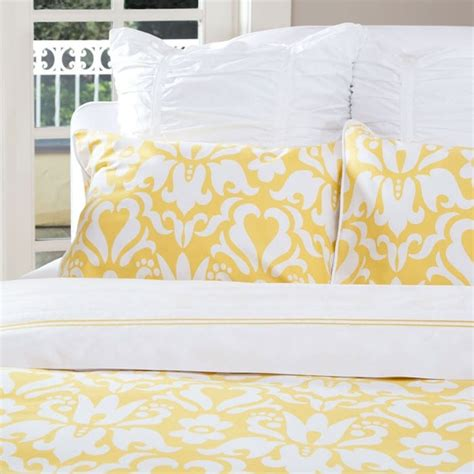 Yellow Bed Sheets by Fall Color Trends And Transitions Decor Tips Setting