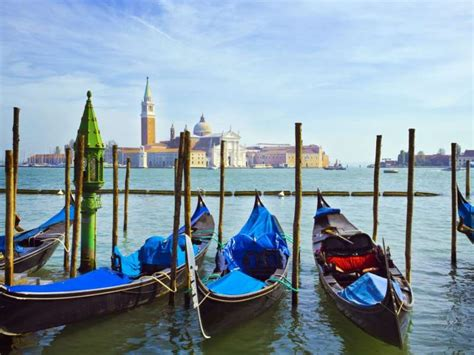 best way to get to venice airport transportation by water taxi from the cruise
