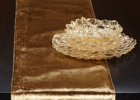 Gold Runners For Tables by Fall Decorating Tips For The Table