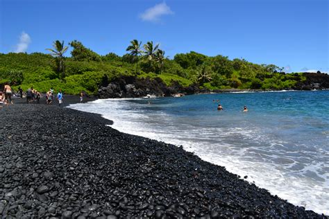 black sand beach maui maui black sand beach hawaii places to visit pinterest