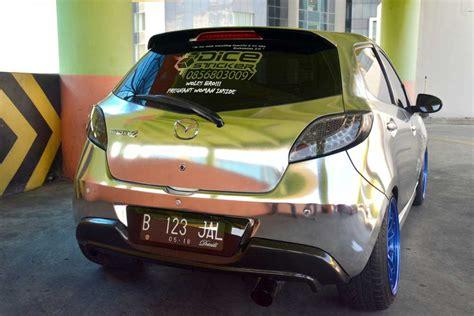 Kaos Otomotif Mobil Ford Bronco modifikasi mazda2 tahun 2013 curi perhatian dengan til