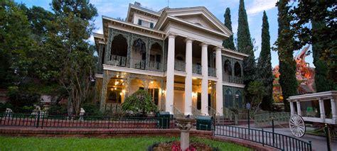 the sights of haunted mansion holiday at disneyland the disneyland haunted mansion documentary disneyland