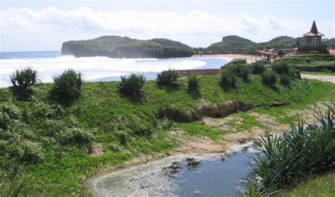 Harga Inez Resort Pantai Kukup pantai krakal krakal