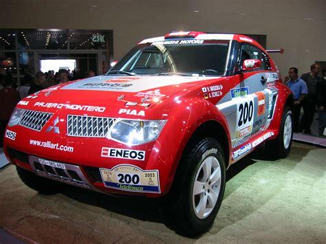 Emblem 4x4 Pajero Sport Mitsubishi mitsubishi pajero dakar technical details history photos
