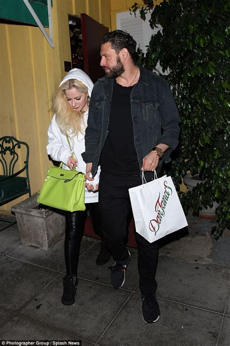 And Jonathan Rotem Hook Up by Avril Lavigne And New Beau J R Rotem Enjoy Dinner Date