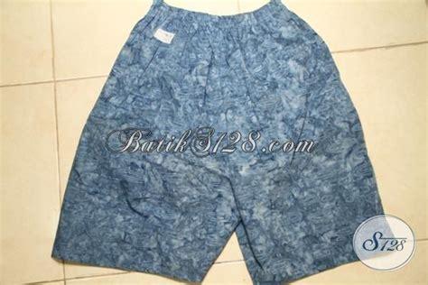 Celana Pendek Batik Keren jual celana pendek motif batik warna biru keren cocok untuk pakaian santai di rumah cd3141cs