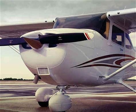Cessna 172 Ceiling by Les 25 Meilleures Id 233 Es De La Cat 233 Gorie Cessna 172 Sur