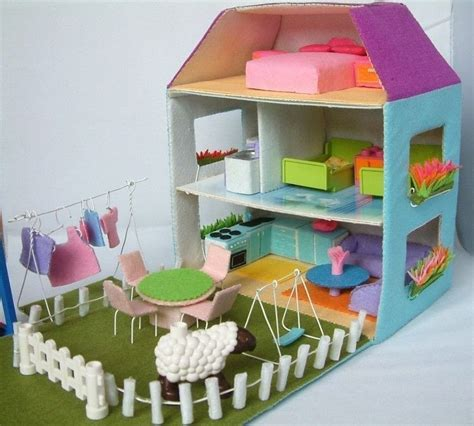 felt toy pattern doll house  dolls house construction