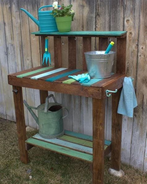 Garden Potting Bench Ideas Best 25 Pallet Potting Bench Ideas On Potting Benches Potting Station And Pallet