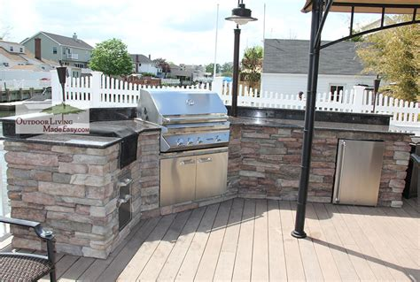 Eagle Built Backyard Custom Outdoor Kitchens 2014 Wing Shaped Kitchen With