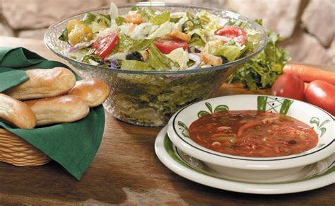 Unlimited Soup And Salad Olive Garden Dinner by Olive Garden Ads Vs Reality Business Insider